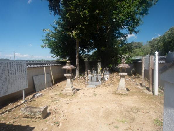 竹中半兵衛の墓-2